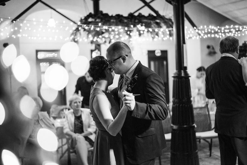fotozsurnaliszta esküvői fotós
