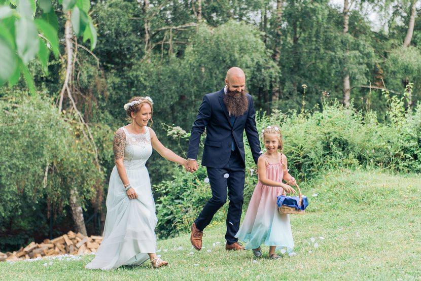 esküvői ceremónia a természetben, természet közeli esküvő fotózás